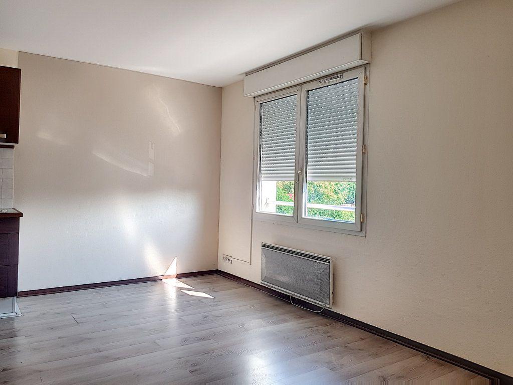 Appartement à louer 2 39m2 à Villemandeur vignette-3
