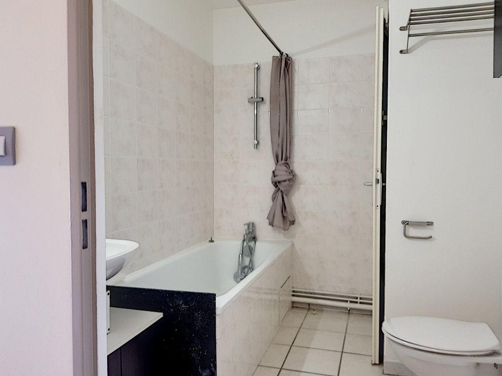 Appartement à louer 2 39m2 à Villemandeur vignette-6