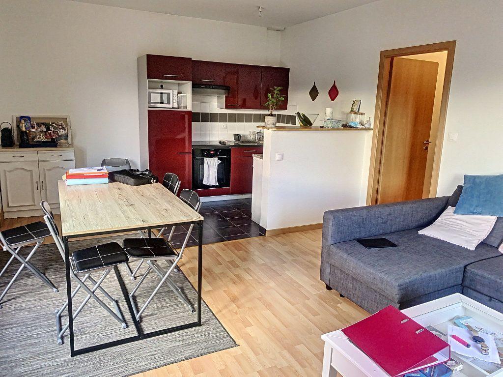 Appartement à louer 2 50.52m2 à Montargis vignette-1