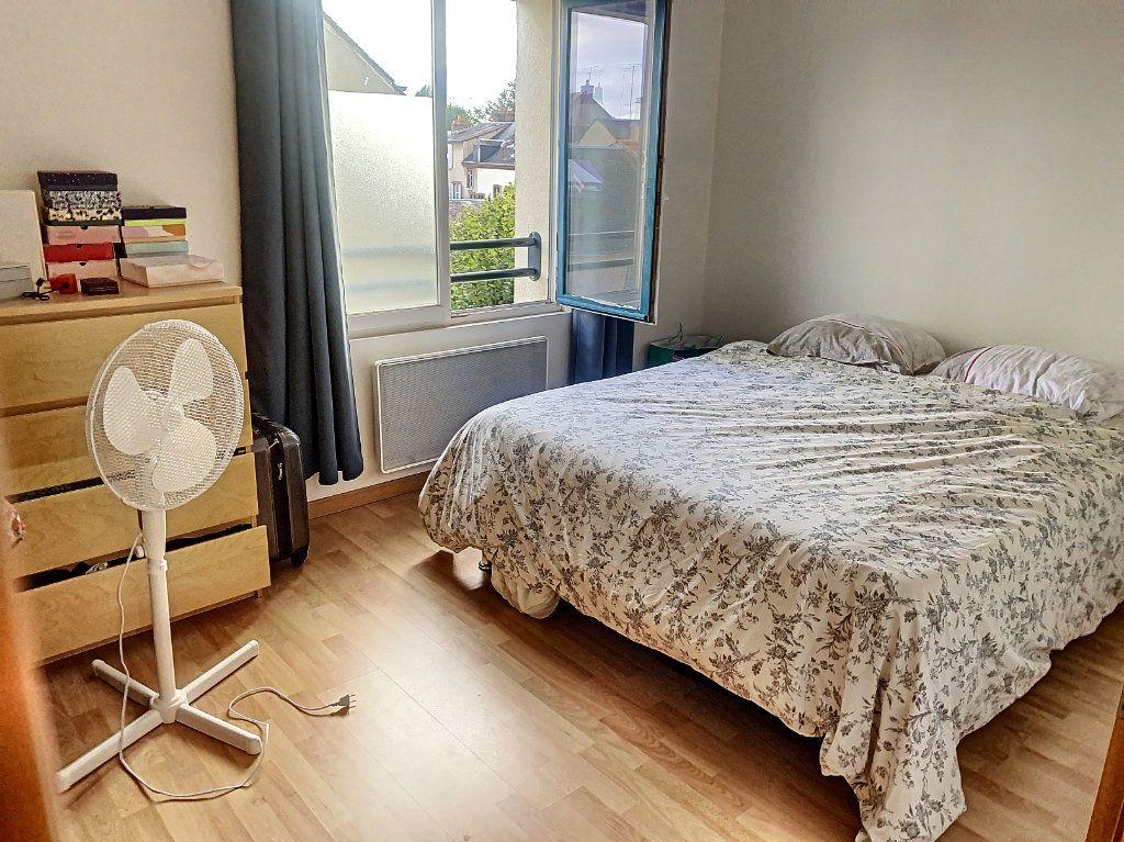 Appartement à louer 2 50.52m2 à Montargis vignette-4