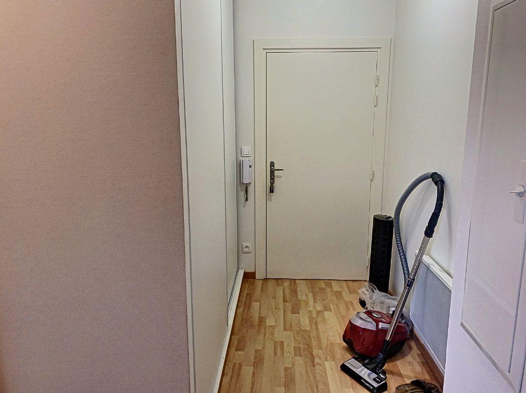 Appartement à louer 2 50.52m2 à Montargis vignette-5