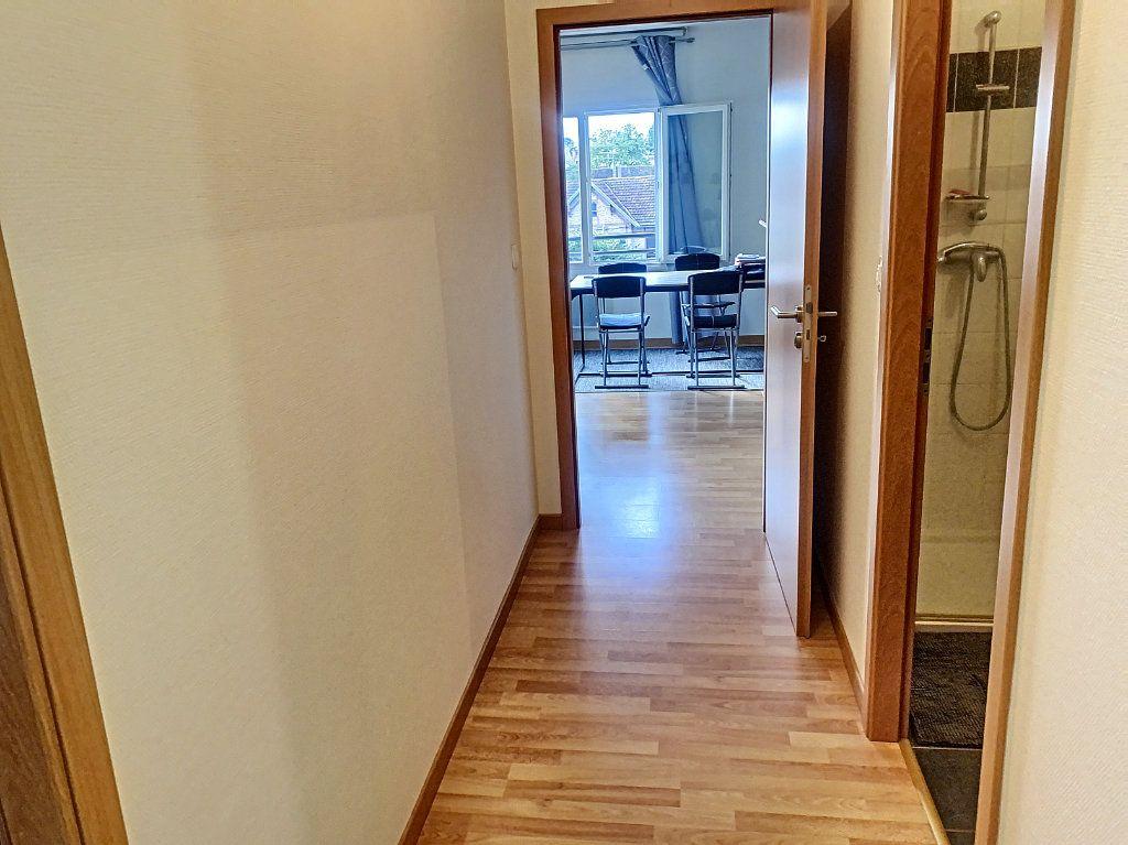 Appartement à louer 2 50.52m2 à Montargis vignette-6