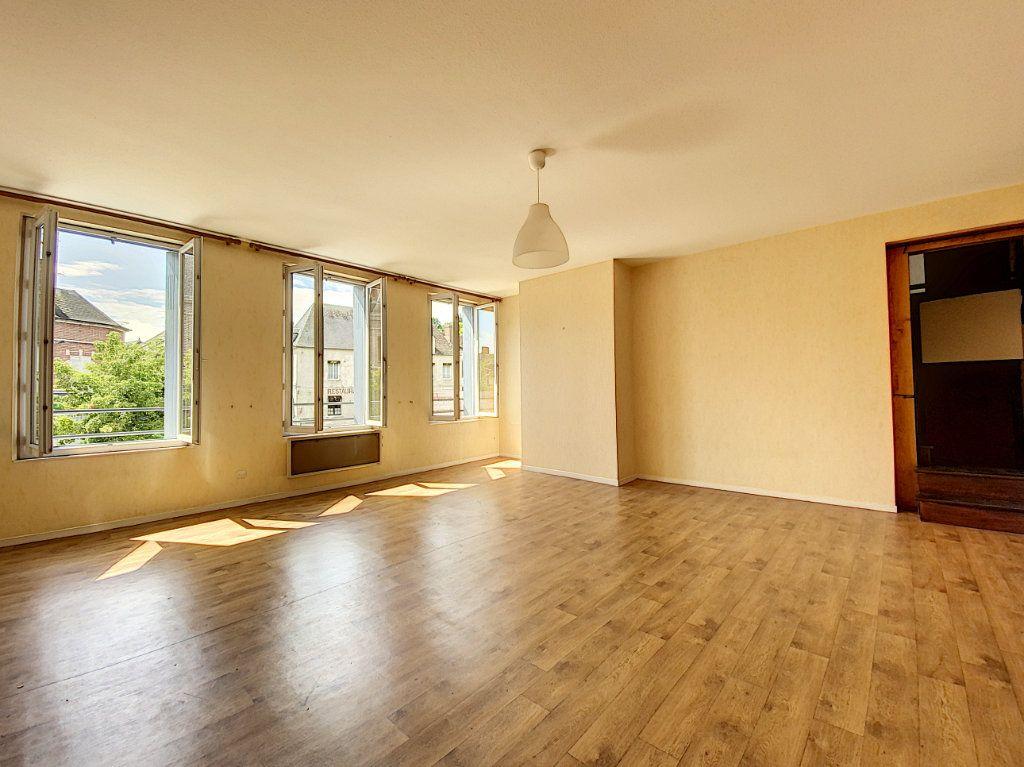 Appartement à louer 4 114m2 à Château-Renard vignette-4