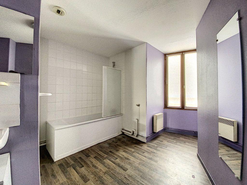Appartement à louer 4 114m2 à Château-Renard vignette-7