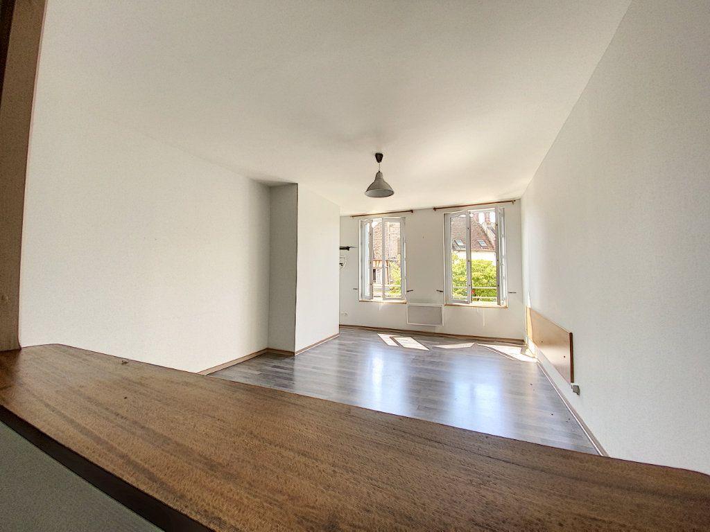 Appartement à louer 4 114m2 à Château-Renard vignette-10