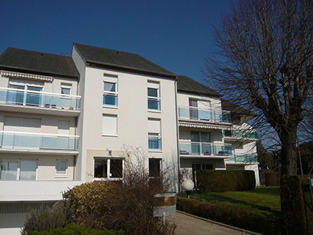 Appartement à louer 2 50.1m2 à Beaugency vignette-1
