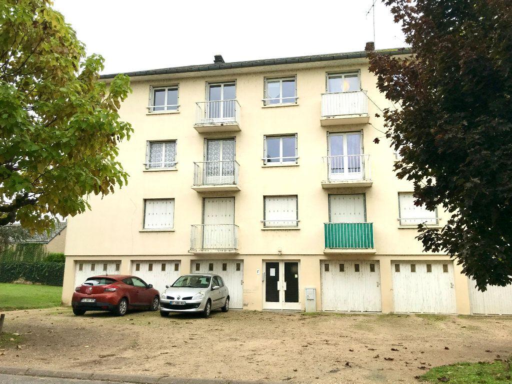 Appartement à louer 3 61.29m2 à Beaugency vignette-2