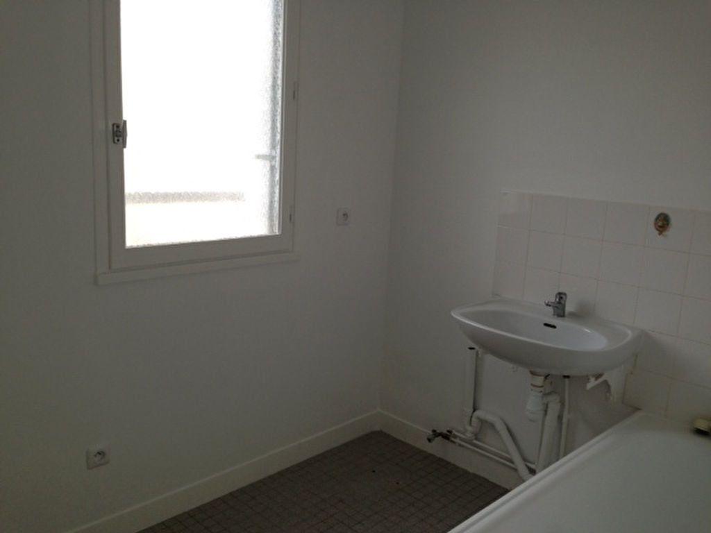 Appartement à louer 3 61.29m2 à Beaugency vignette-4