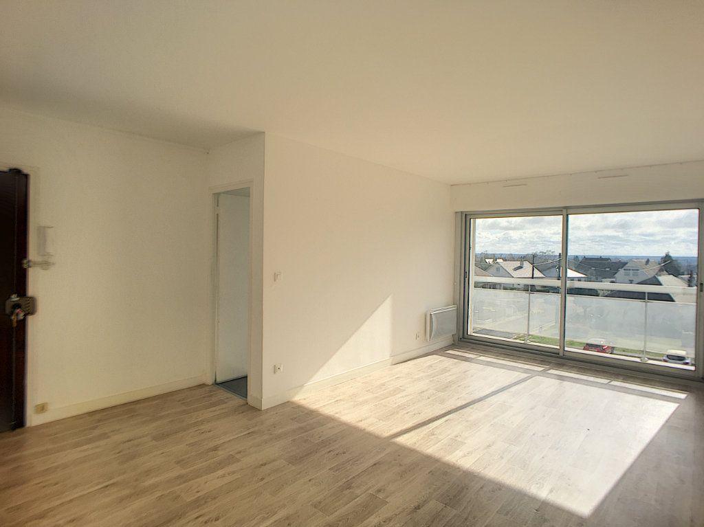 Appartement à louer 4 75.58m2 à Beaugency vignette-1