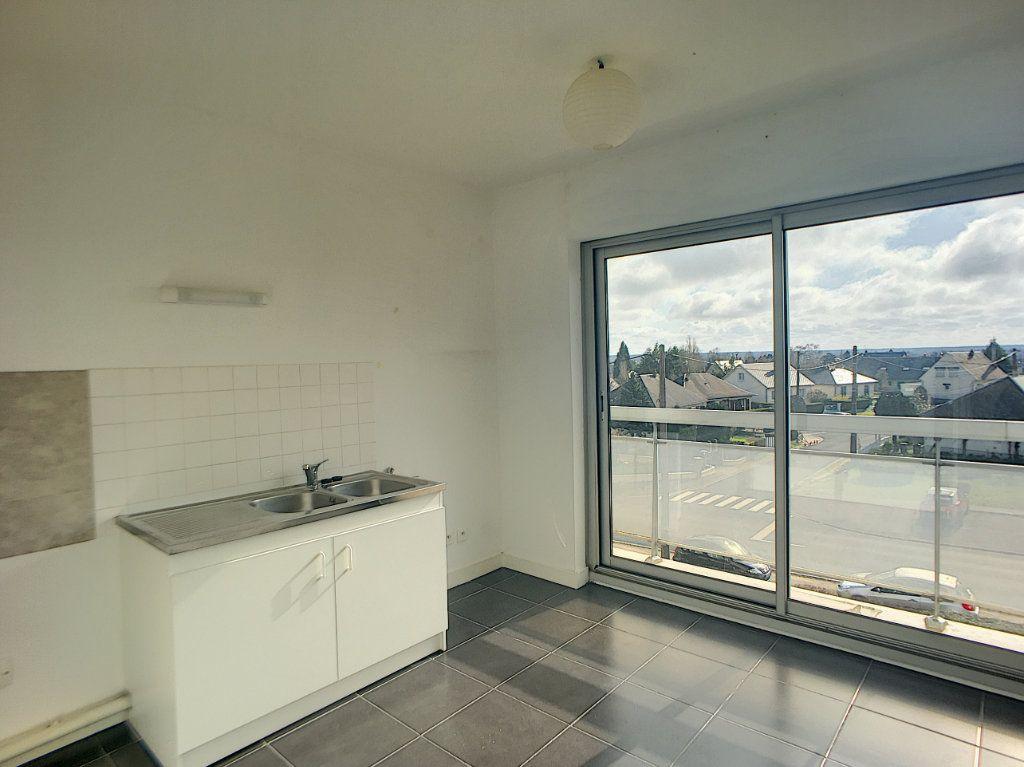 Appartement à louer 4 75.58m2 à Beaugency vignette-3