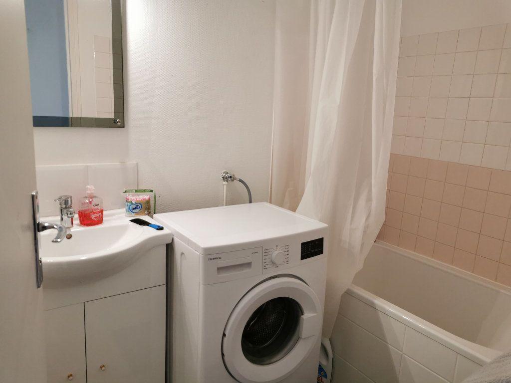Appartement à louer 4 75.58m2 à Beaugency vignette-17