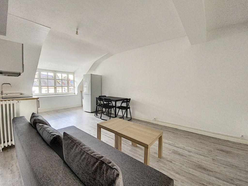 Appartement à louer 3 52.26m2 à Beaugency vignette-1