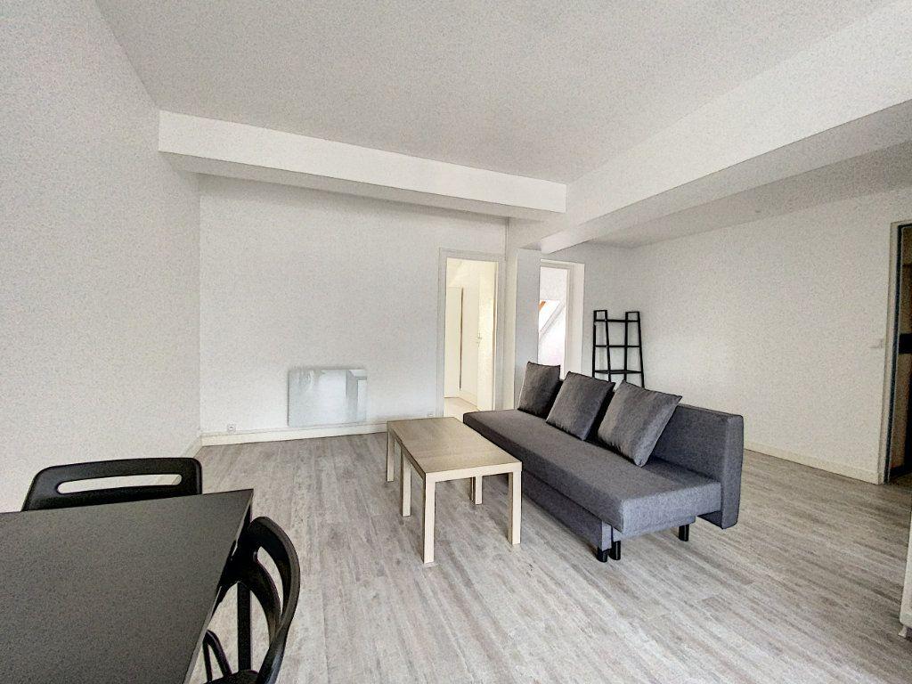 Appartement à louer 3 52.26m2 à Beaugency vignette-6