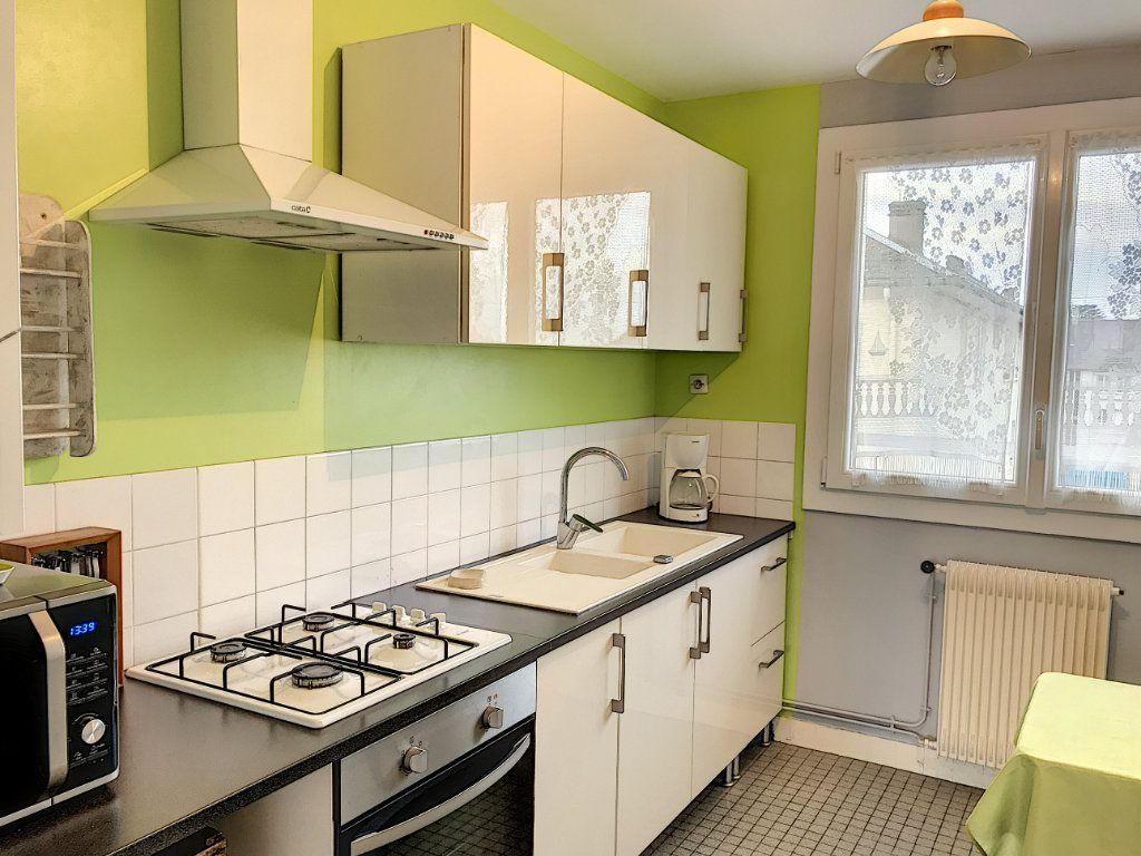 Appartement à louer 3 62.22m2 à Beaugency vignette-2