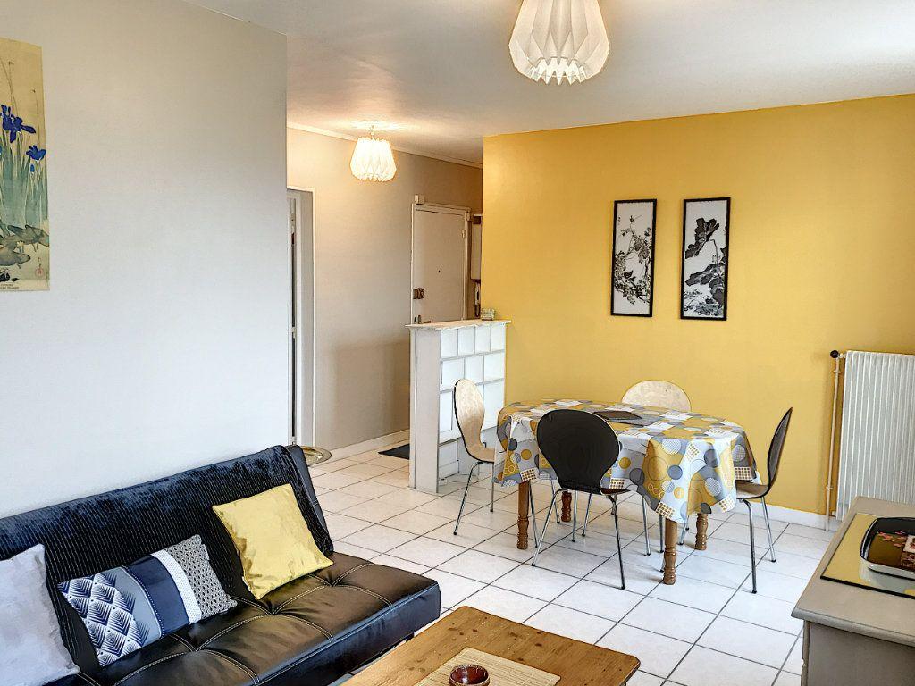 Appartement à louer 3 62.22m2 à Beaugency vignette-6