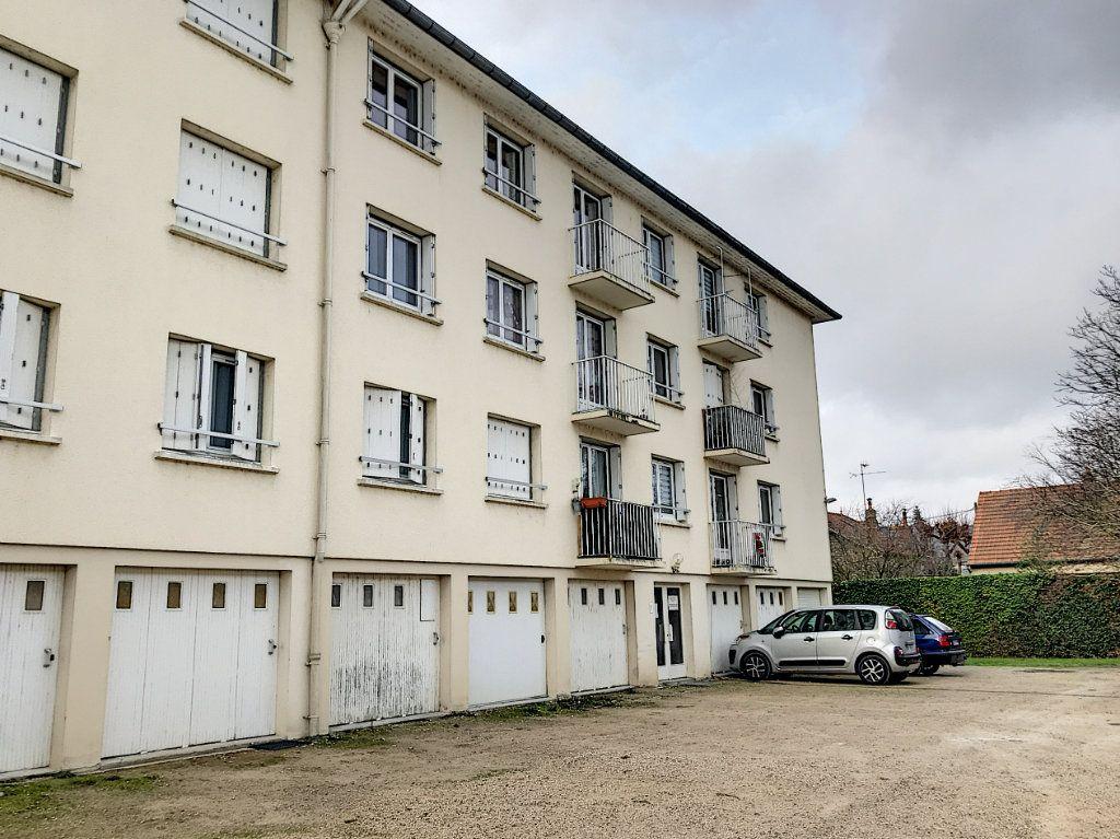 Appartement à louer 3 62.22m2 à Beaugency vignette-7