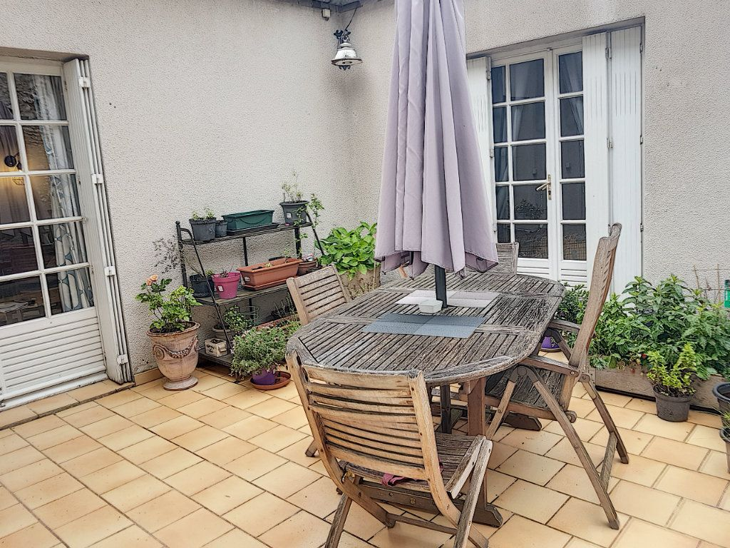 Appartement à vendre 5 100.67m2 à Beaugency vignette-1