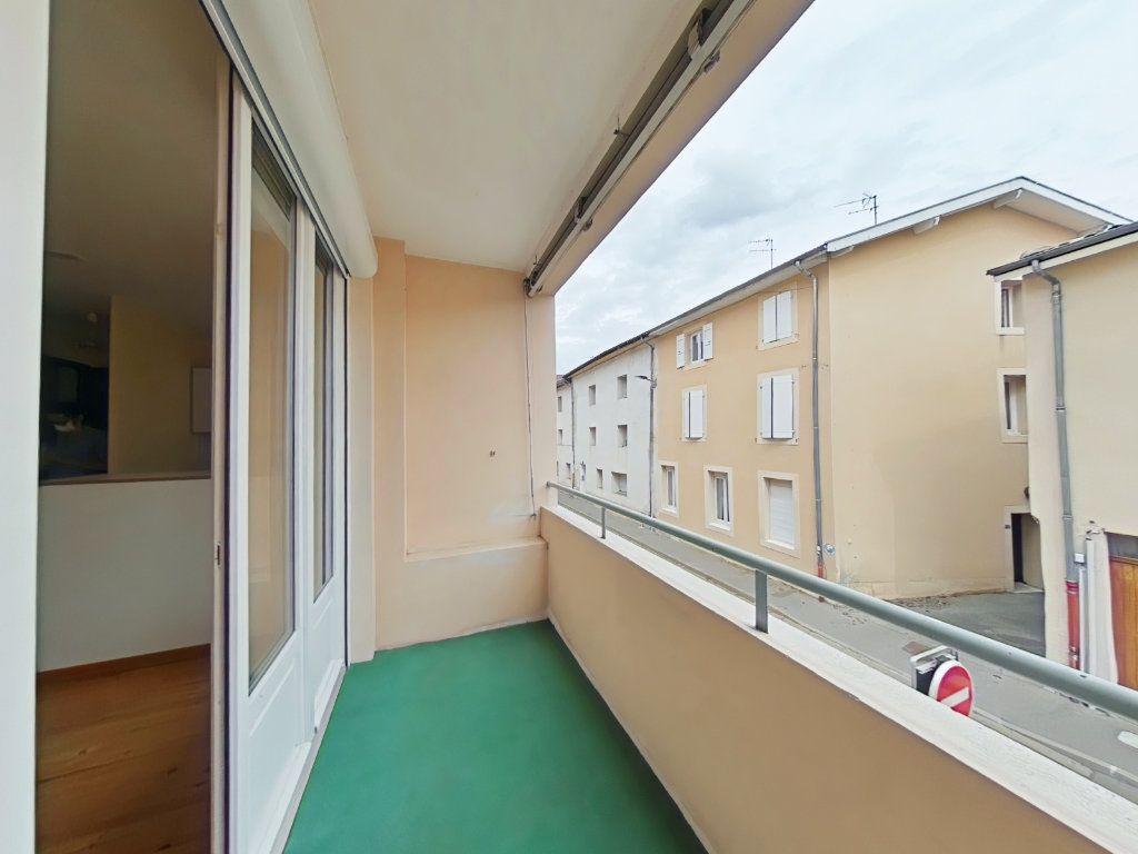 Appartement à louer 3 50m2 à Romans-sur-Isère vignette-2