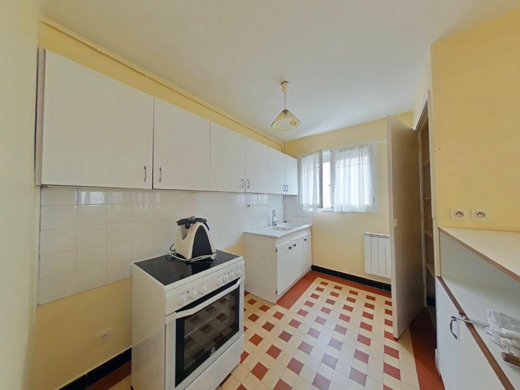 Appartement à louer 3 50m2 à Romans-sur-Isère vignette-3