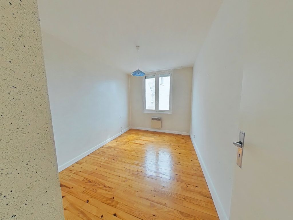 Appartement à louer 3 50m2 à Romans-sur-Isère vignette-4