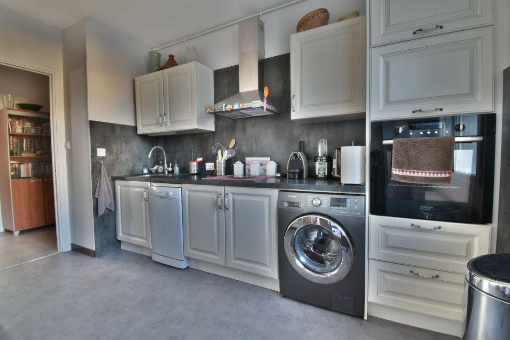 Appartement à vendre 4 87m2 à Romans-sur-Isère vignette-4