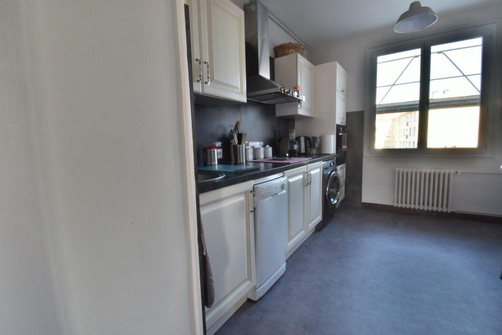 Appartement à vendre 4 87m2 à Romans-sur-Isère vignette-5