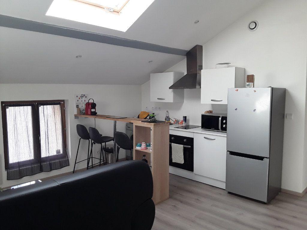 Appartement à louer 2 40m2 à Romans-sur-Isère vignette-1