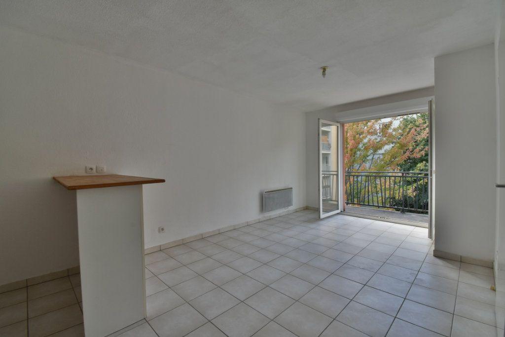 Appartement à vendre 2 42.06m2 à Romans-sur-Isère vignette-1