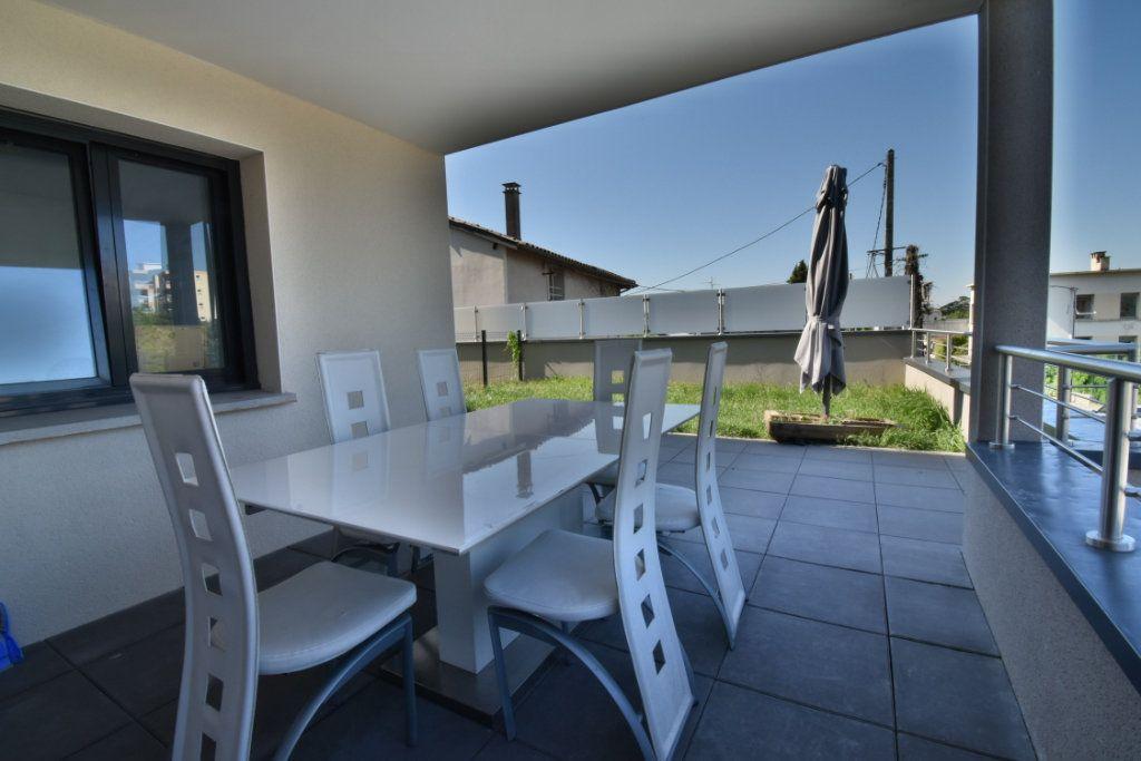 Appartement à vendre 2 57.3m2 à Romans-sur-Isère vignette-2