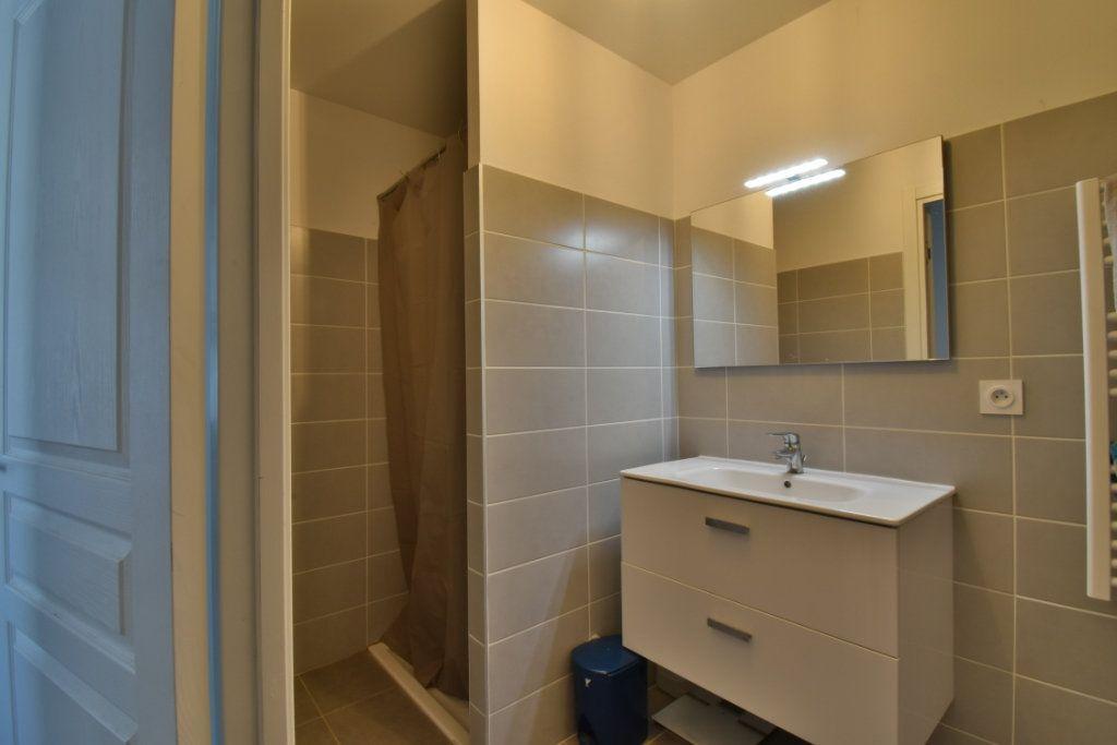 Appartement à vendre 2 57.3m2 à Romans-sur-Isère vignette-7