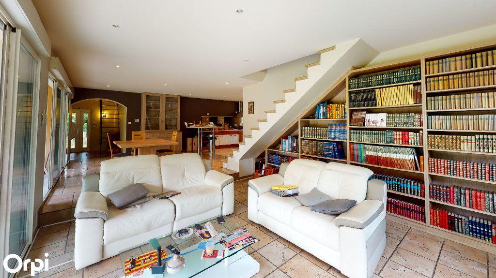 Maison à vendre 8 213m2 à Chatuzange-le-Goubet vignette-2