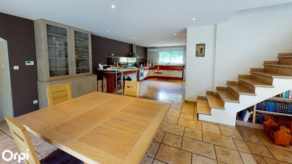 Maison à vendre 8 213m2 à Chatuzange-le-Goubet vignette-3