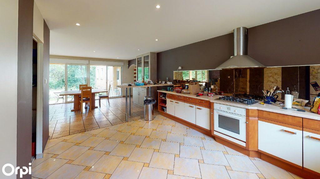 Maison à vendre 8 213m2 à Chatuzange-le-Goubet vignette-6