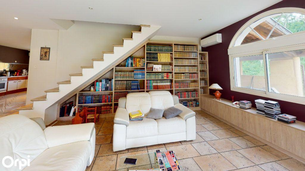 Maison à vendre 8 213m2 à Chatuzange-le-Goubet vignette-7