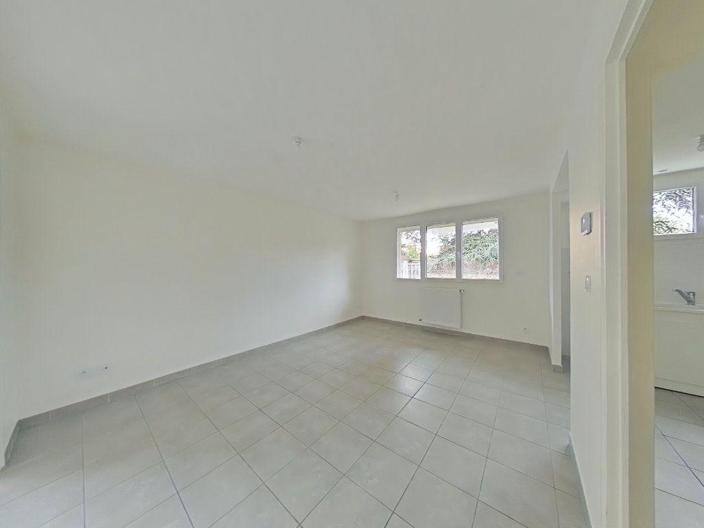 Appartement à louer 3 67m2 à Romans-sur-Isère vignette-2
