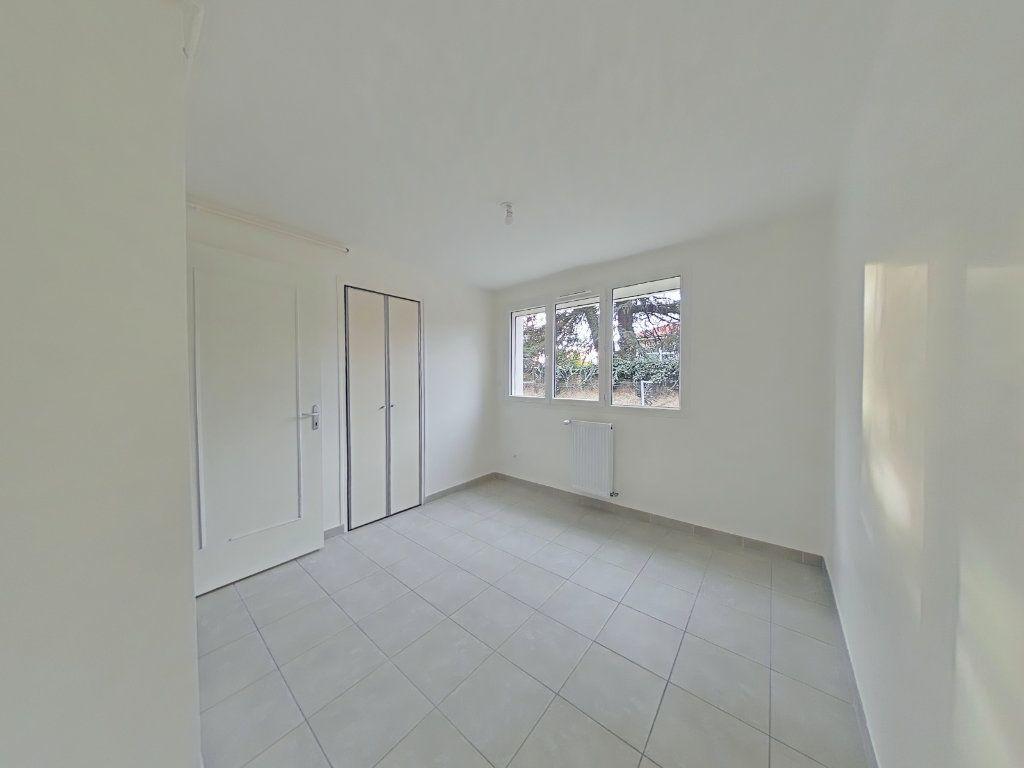Appartement à louer 3 67m2 à Romans-sur-Isère vignette-3