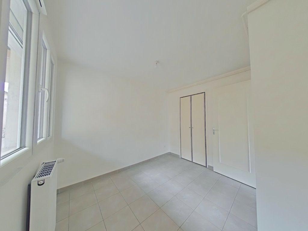 Appartement à louer 3 67m2 à Romans-sur-Isère vignette-4