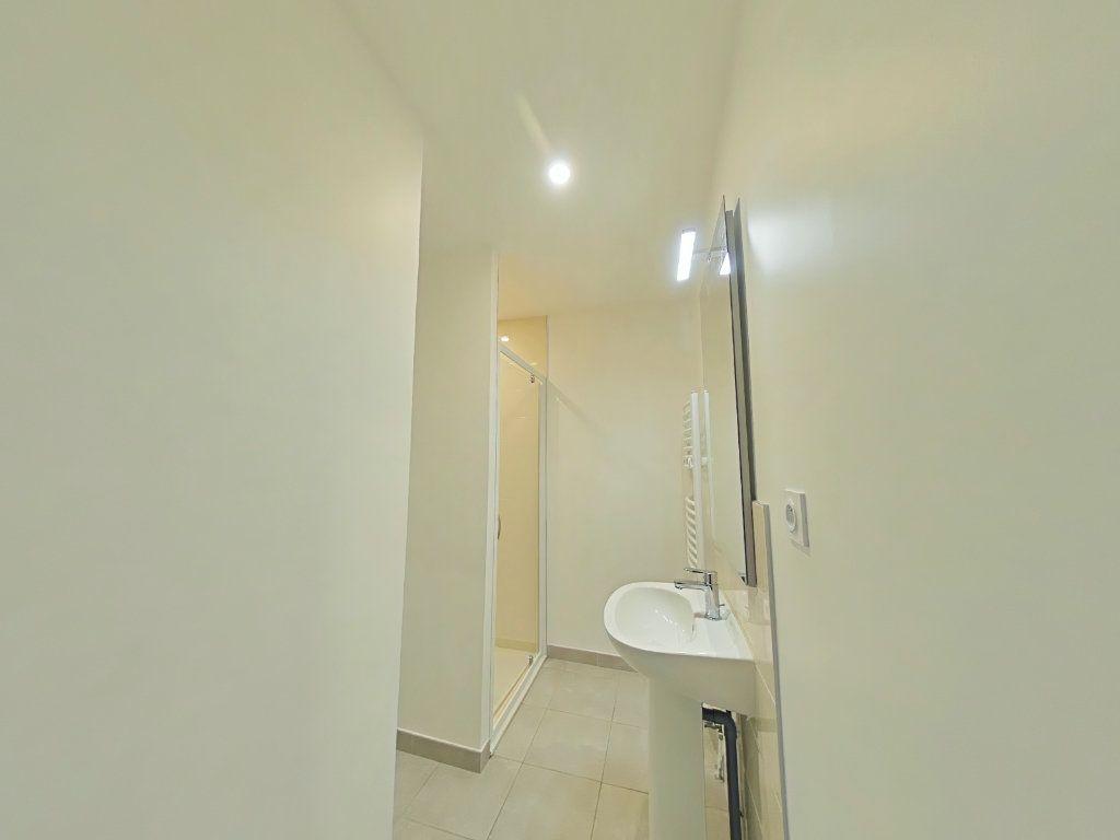 Appartement à louer 3 67m2 à Romans-sur-Isère vignette-6