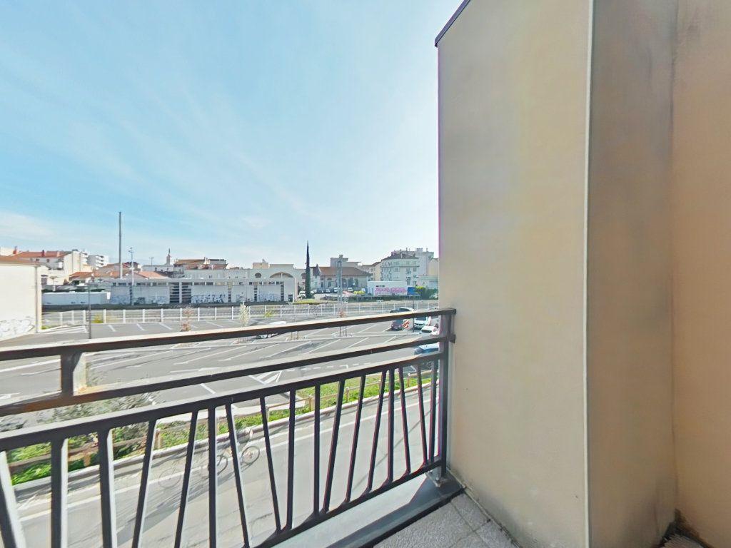Appartement à vendre 3 60m2 à Romans-sur-Isère vignette-2