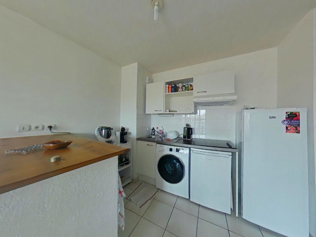 Appartement à vendre 3 60m2 à Romans-sur-Isère vignette-3