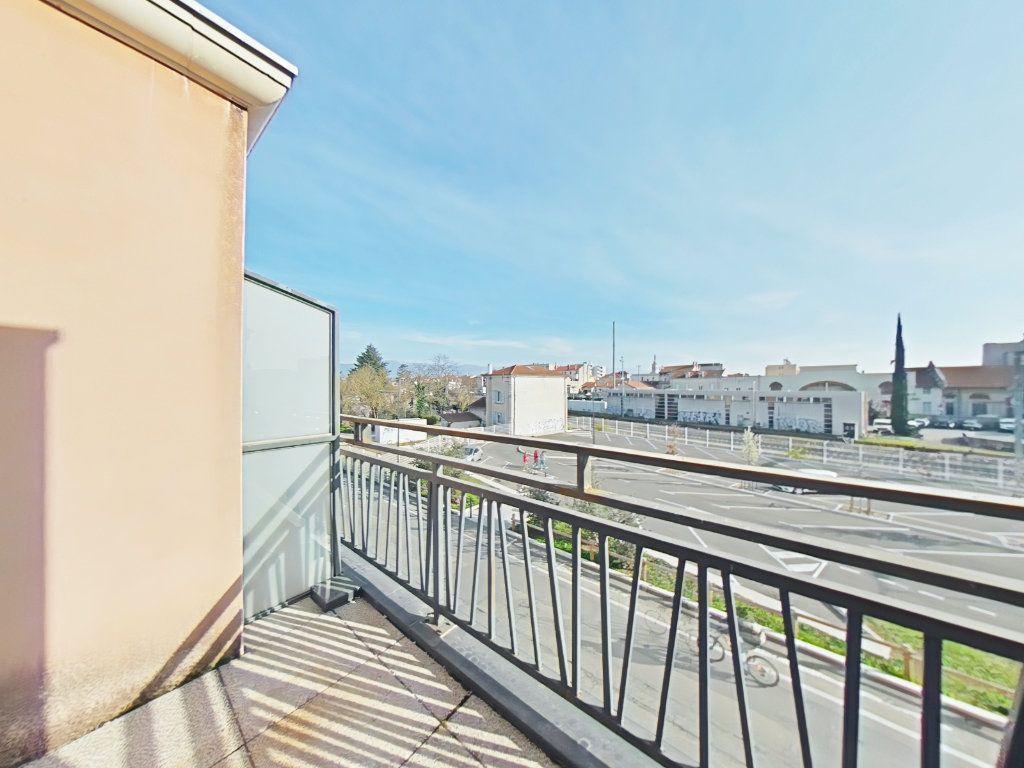 Appartement à vendre 3 60m2 à Romans-sur-Isère vignette-7