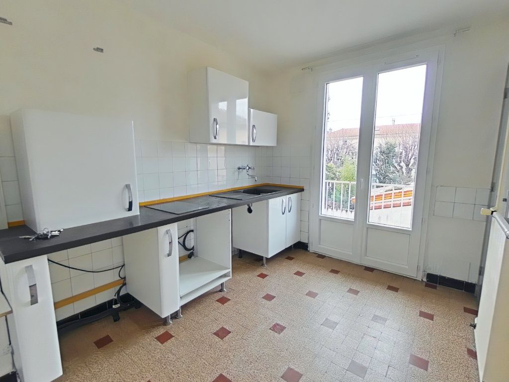 Appartement à louer 3 57.64m2 à Romans-sur-Isère vignette-2
