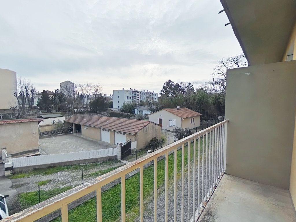 Appartement à louer 3 57.64m2 à Romans-sur-Isère vignette-3