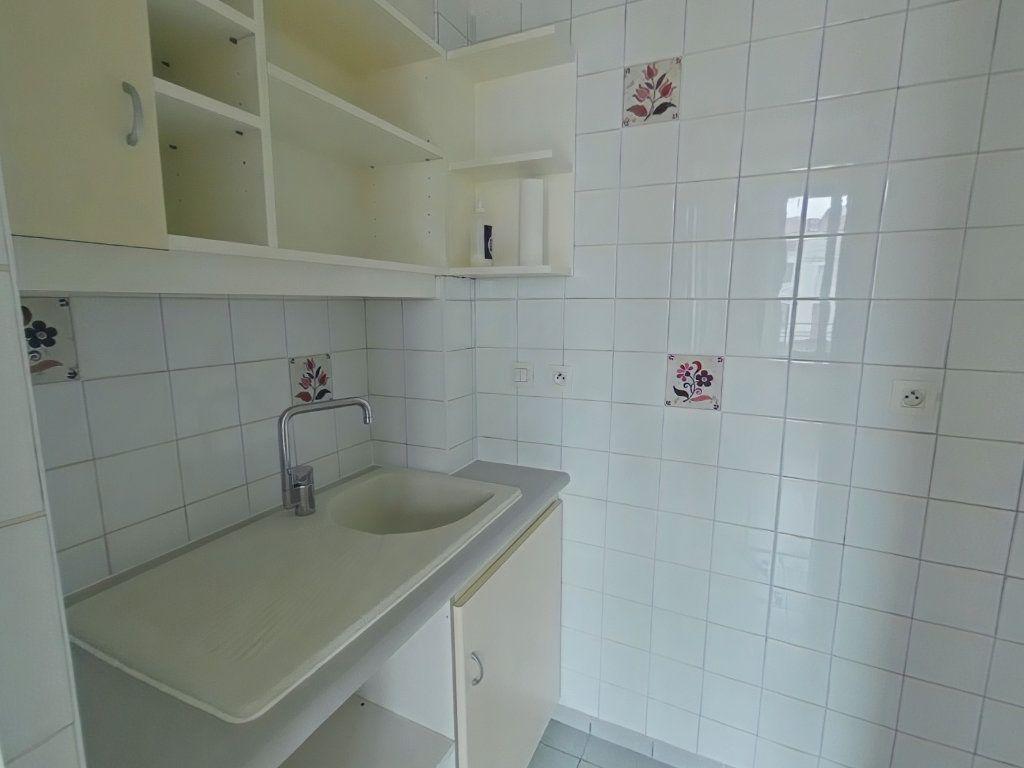 Appartement à louer 2 38m2 à Romans-sur-Isère vignette-3