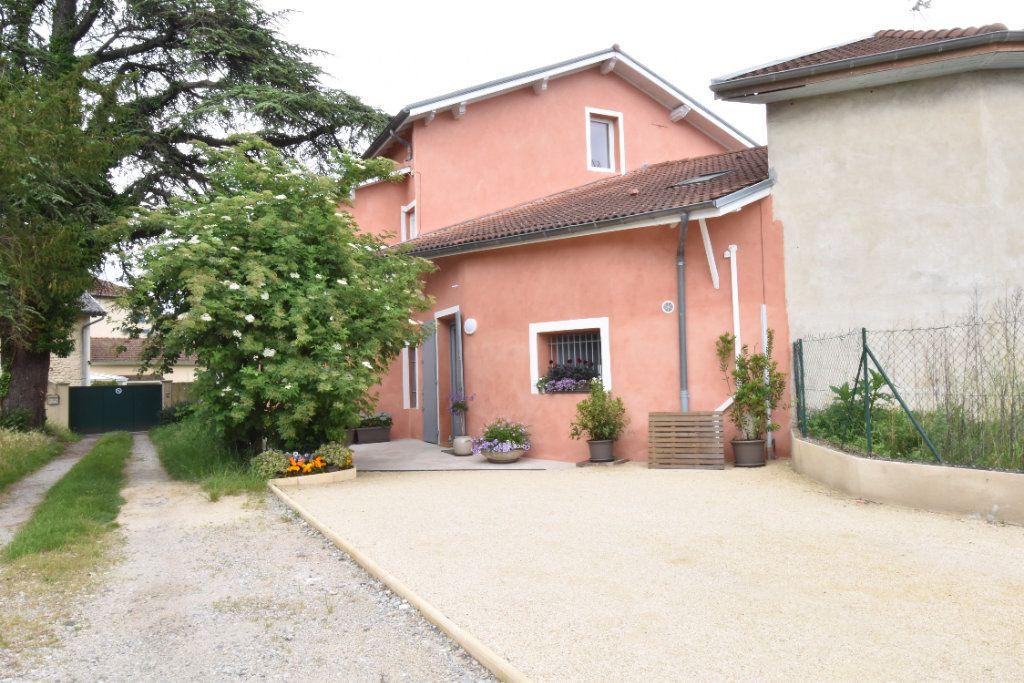 Maison à vendre 7 195m2 à Saint-Paul-lès-Romans vignette-1
