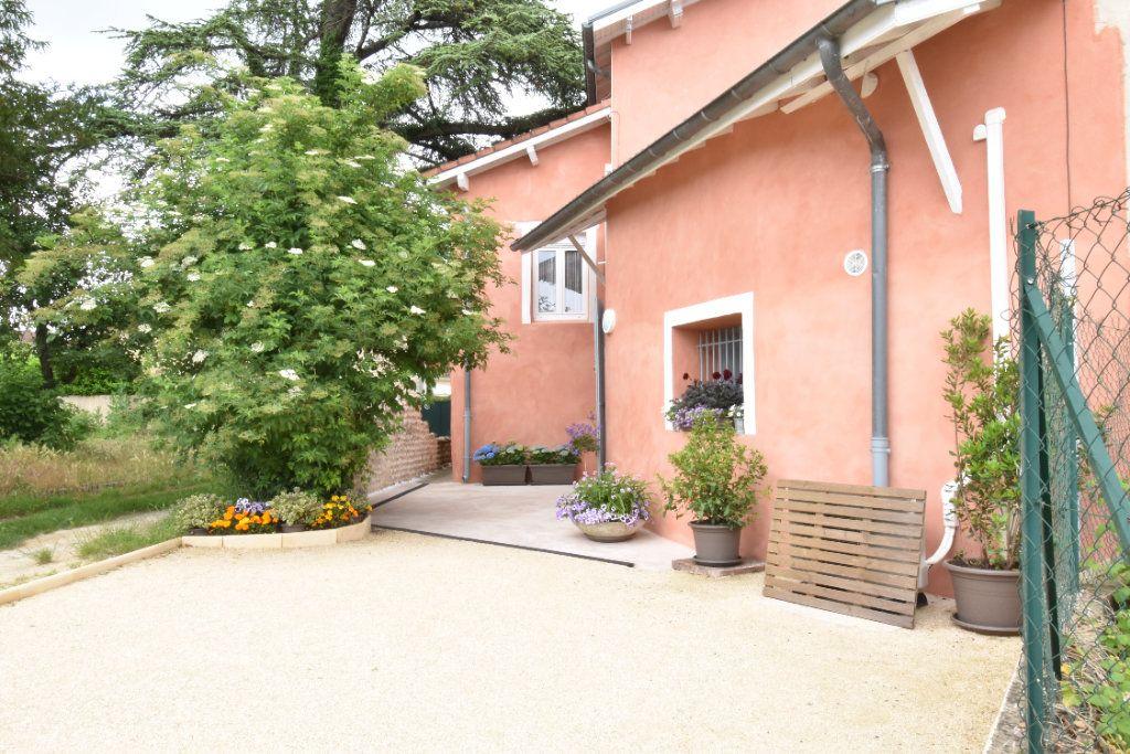 Maison à vendre 7 195m2 à Saint-Paul-lès-Romans vignette-4