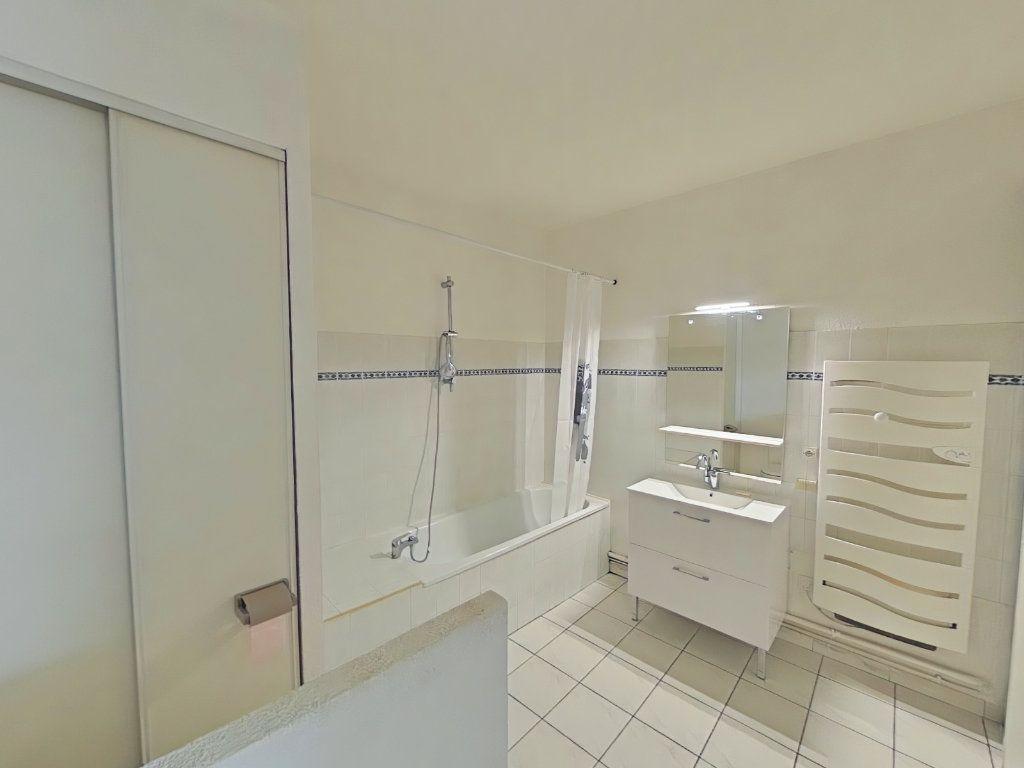 Appartement à louer 2 76m2 à Romans-sur-Isère vignette-7