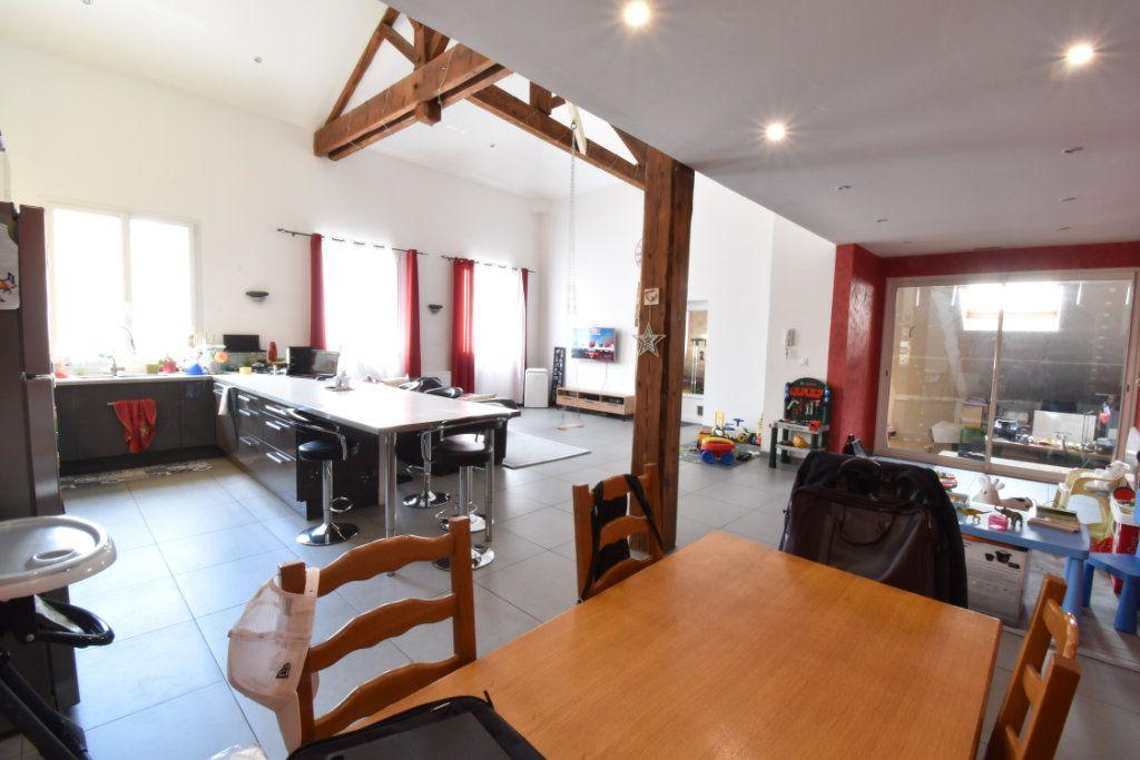 Maison à vendre 4 200m2 à Saint-Marcellin vignette-1