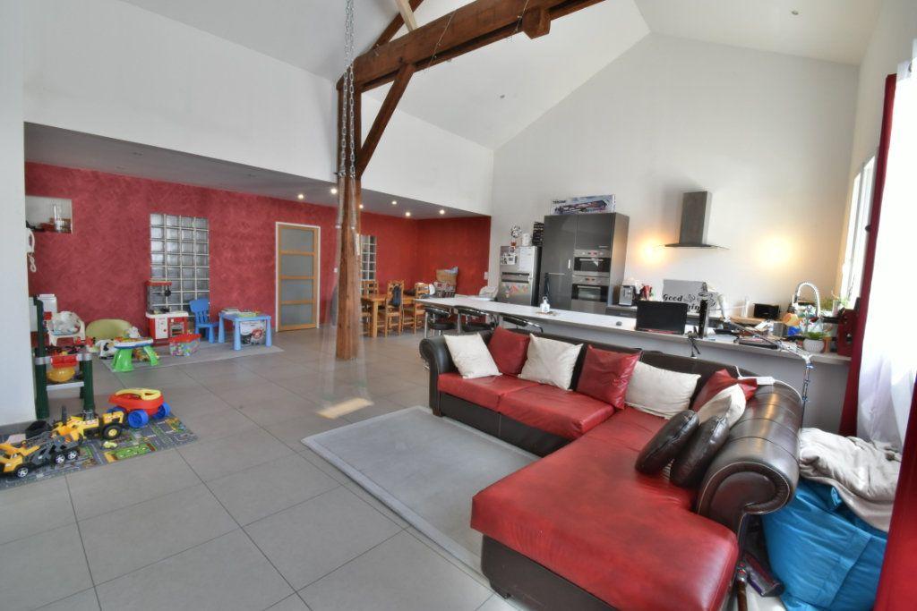 Maison à vendre 4 200m2 à Saint-Marcellin vignette-2