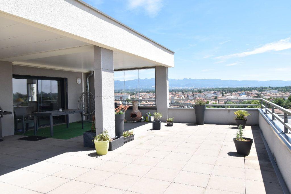 Appartement à vendre 5 127m2 à Romans-sur-Isère vignette-1